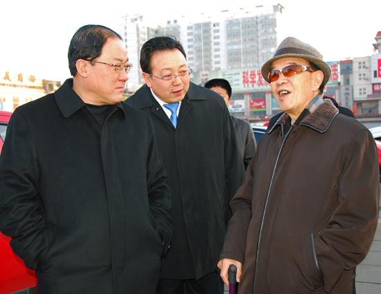原山西省委书记李立功在孝义视察