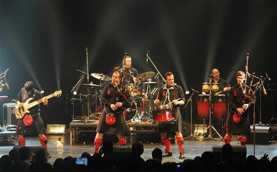 中国苏格兰风笛乐队_包括世界舞台魔术大师展演,苏格兰红辣椒风笛乐队表演等.